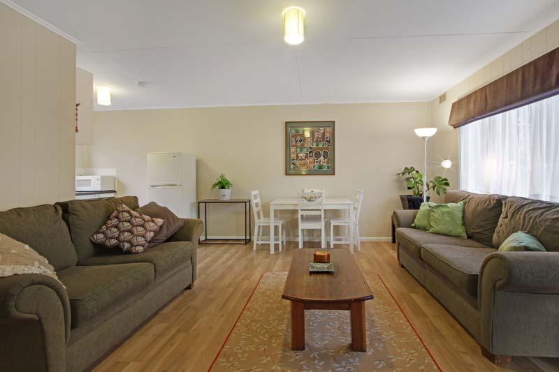 accommodation-in-metung-akora-flats