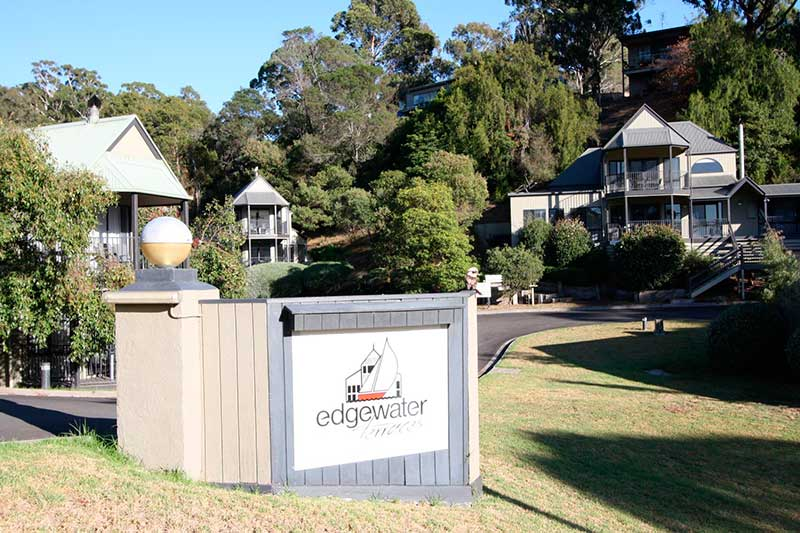 edgewater-water-front-accom-lakes-entrance