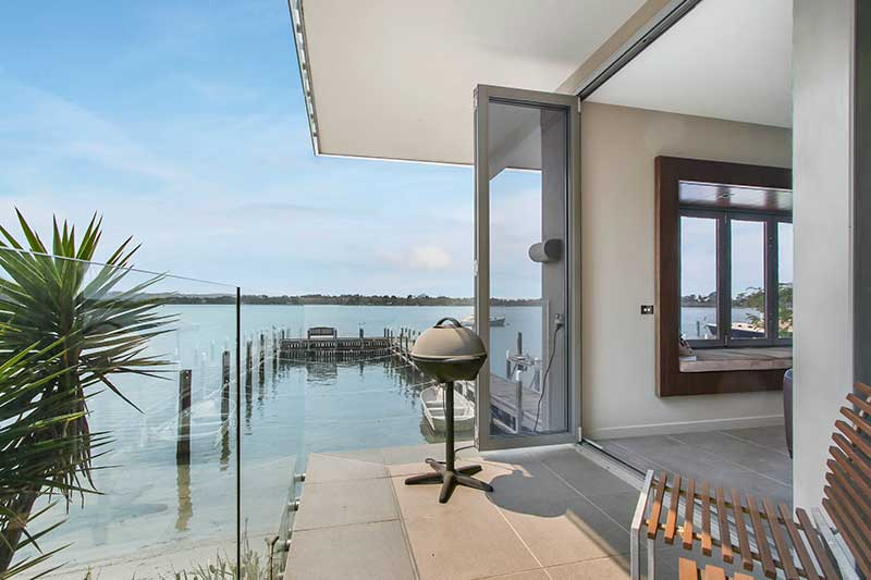 lakes-entrance-accommodation-with-water-views
